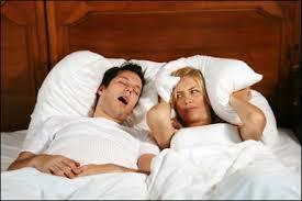 Храп мужа - частая причина недосыпания жены