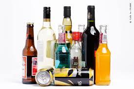 Алкоголь вызывает расслабление мышц, из-за этого может начаться храп